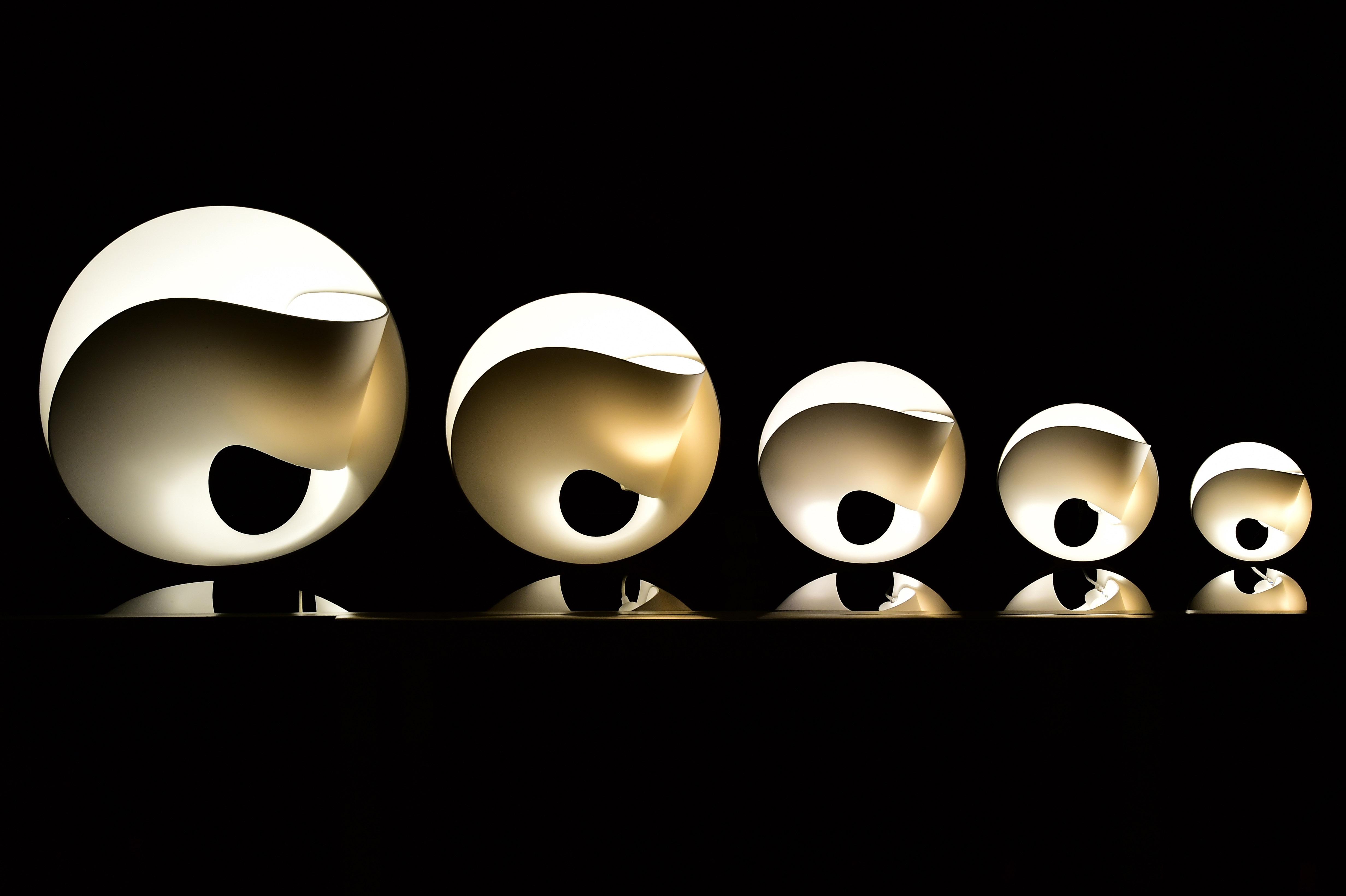 pierre cabrera luminaire green art le showroom gen ve. Black Bedroom Furniture Sets. Home Design Ideas